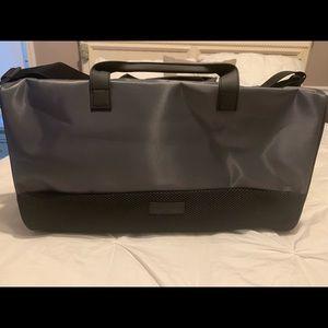 NWT INVICTUS WEEKENDER BAG